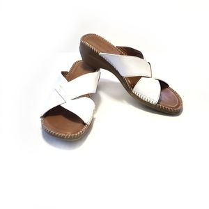 7.5 S Naturalizer Leather Wedge Comfort Sandal